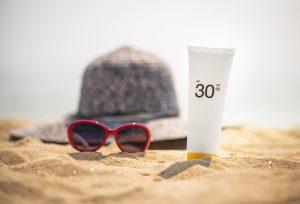 bescherming tegen uv-straling hoed zonnebril zonnebrand