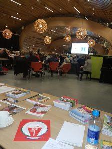 Mensen met een hart- of vaataandoeningen ontmoeten elkaar in het Hart&Vaatcafé in Groningen